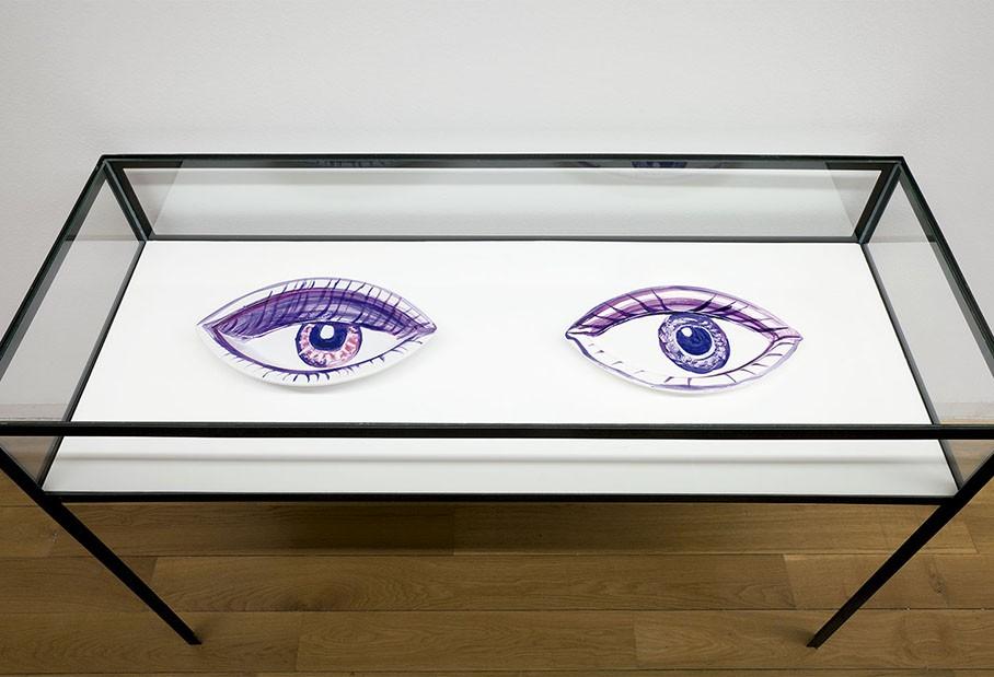 Ojos como fuentes 2013. Porcelana. Fotografia Mark Ritchie