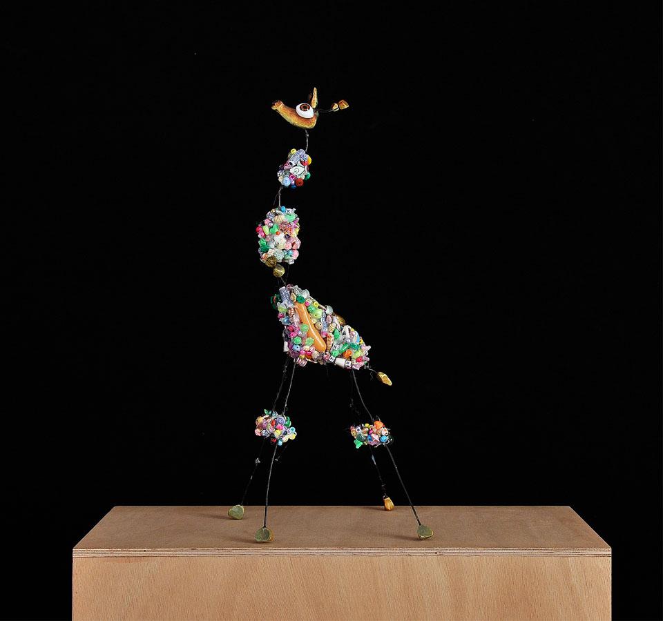 Llinfa de pozo oprimida, 2007. Materiales diversos. 43 X 17 X 18 cm