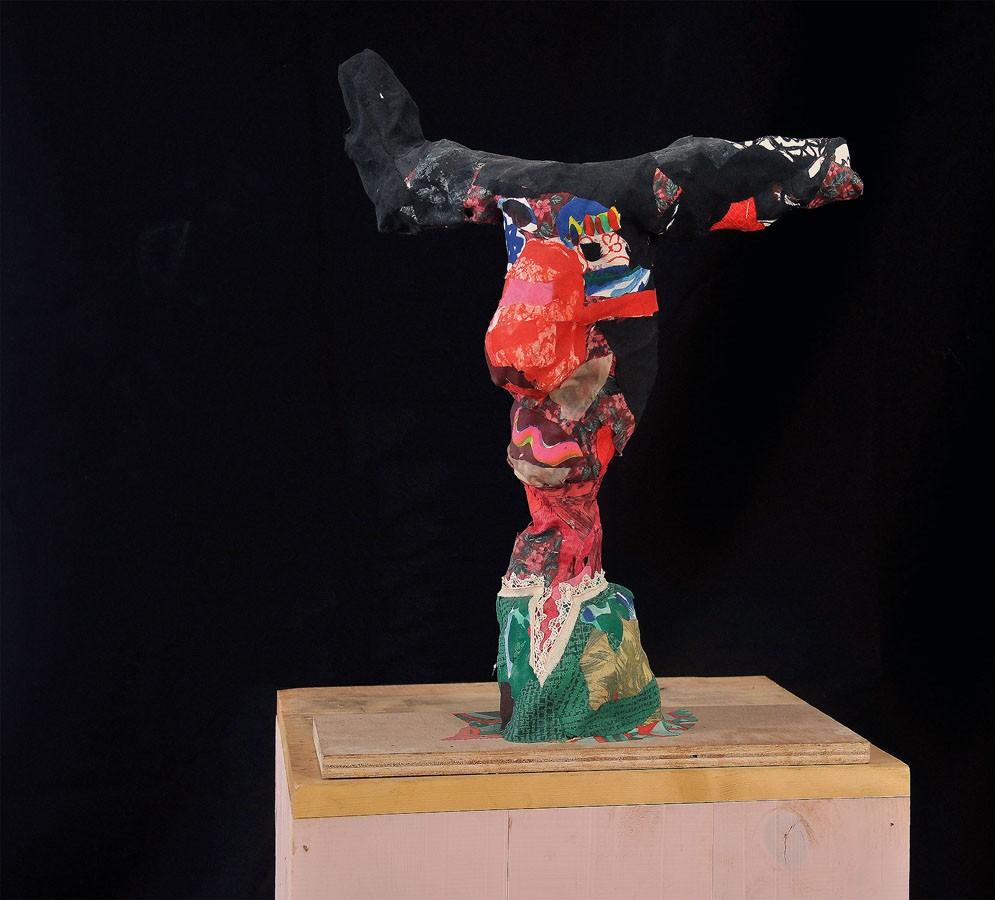 S-T, 2011. Tela y madera
