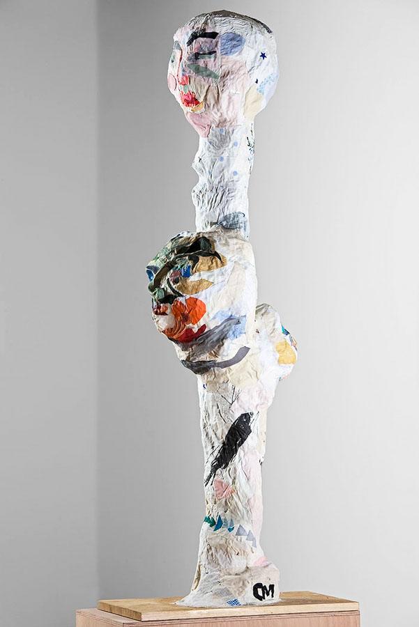 S_T, 2009. Tela y madera. 55 x 27 x 142 cm
