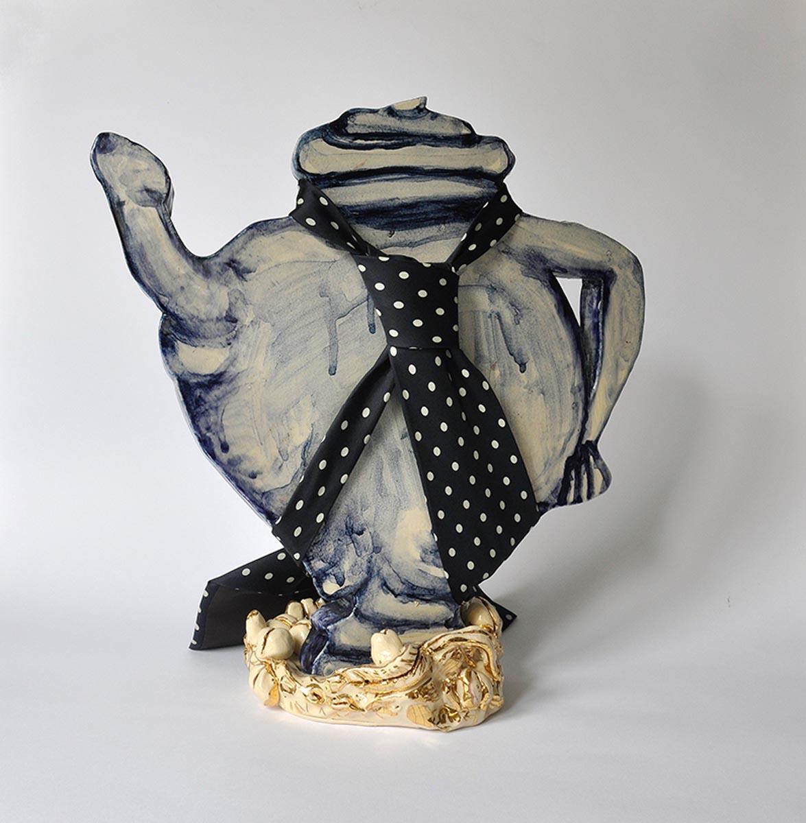 Plus Caresse. Cerámica y corbata de seda