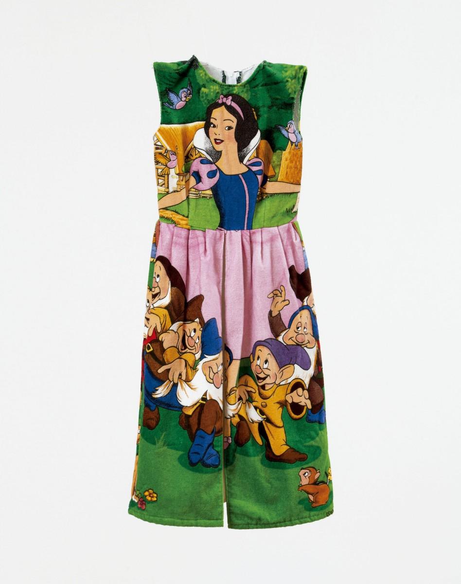 Qué mono, ¿será de mi talla?, 1997. Vestido de toalla y algodón. Talla 16.