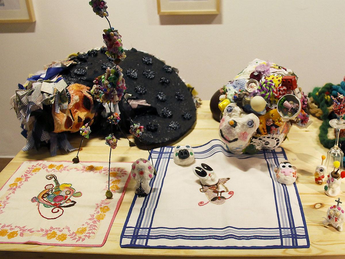 La danza de la tortuga … para la mamá más buena. Las islas de las dos, 2008, detalle. Instalación en el Auditorio de Galicia. Santiago de Compostela
