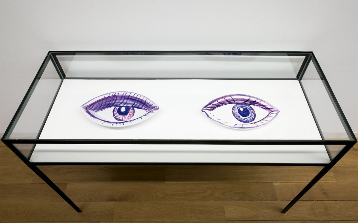 Ojos como fuentes. Porcelana. 2013. Fotografía Mark Ritchie